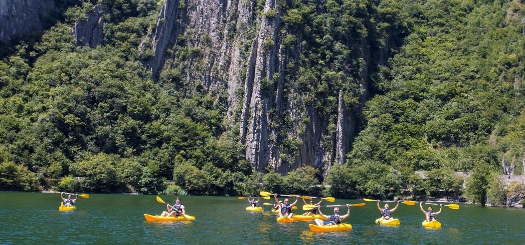 canoa sul lago iseo