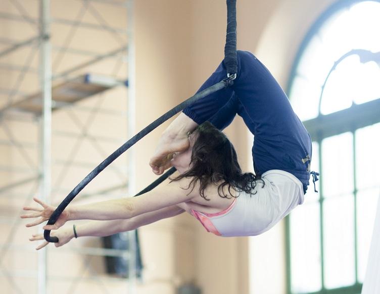 Acrobatica aerea e Circo contemporaneo